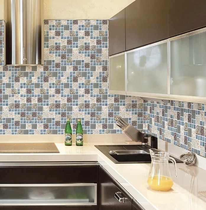 Мозаика на стене на кухне