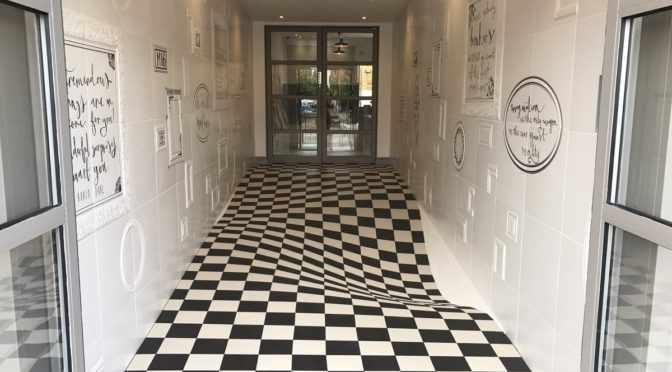 плитка с оптическими иллюзиями в интерьере