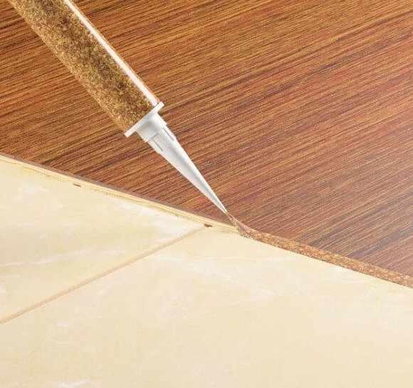 Прямой стык плитки и ламината