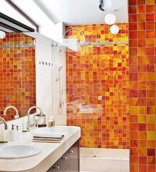 Оранжевая мозаика в интерьере