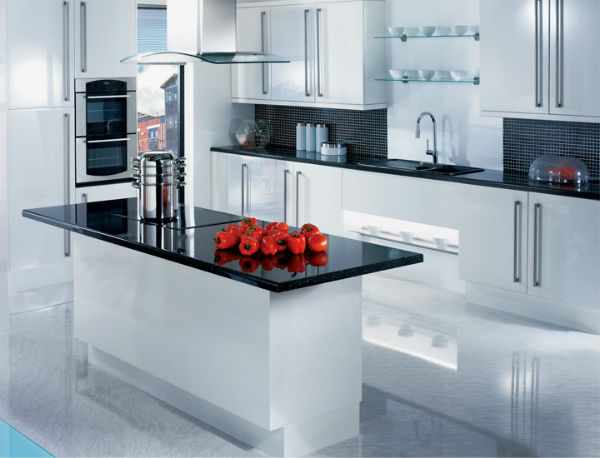 Черная столешница на кухне, фото.
