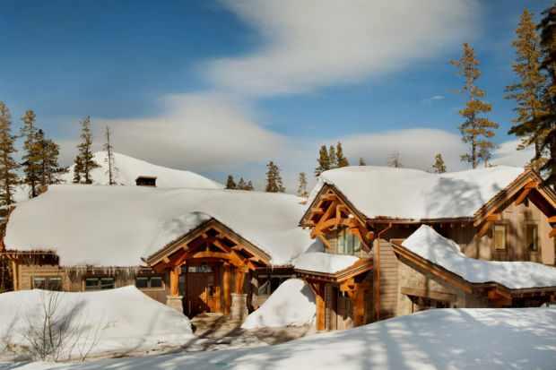 Дом в горах - стиль Шале особняка в штате Монтана