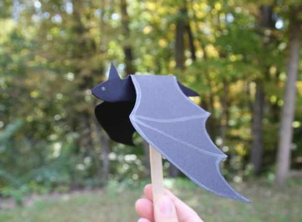Поделки своими руками: как сделать из бумаги летучую мышь (2 идеи)