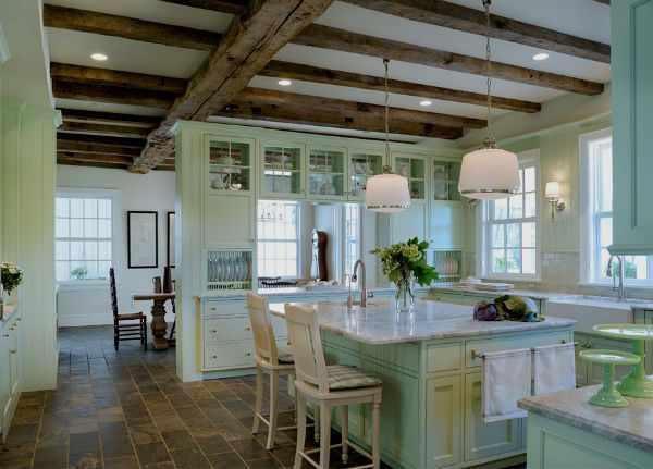 Мятный цвет в интерьере кухни.