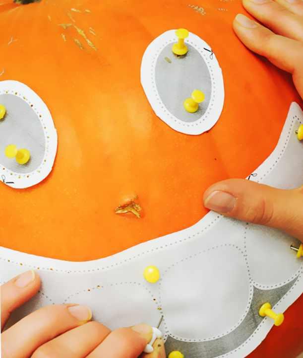 Как вырезать тыкву на Хэллоуин своими руками