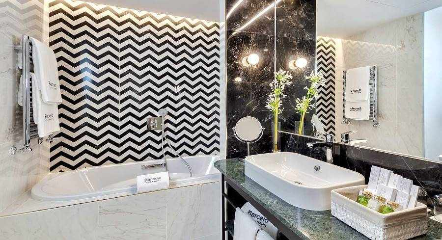 Barcelo Torre de Madrid Hotel bathroom