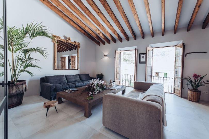 Большая гостиная в Испании