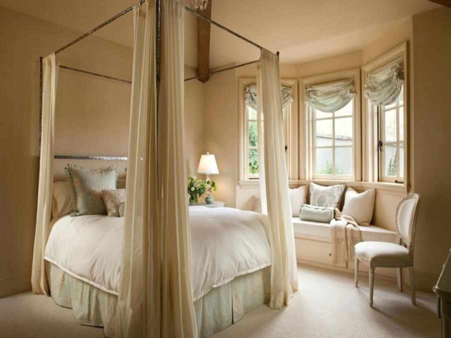 Классический французский дизайн спальни