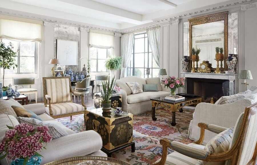 Классический французский дизайн гостиной