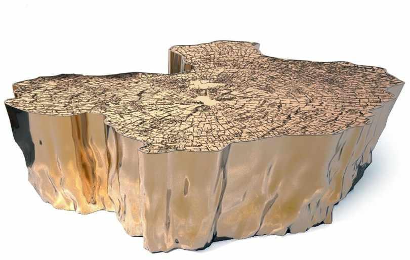 Журнальный столик с деревянной столешницей
