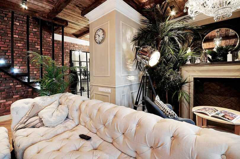 Столик, диван и кресло