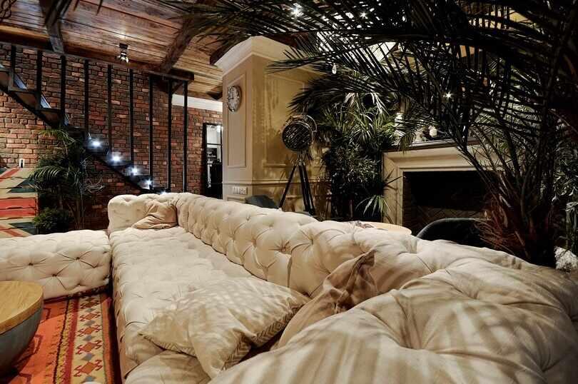 Зеленые пальмы в квартире