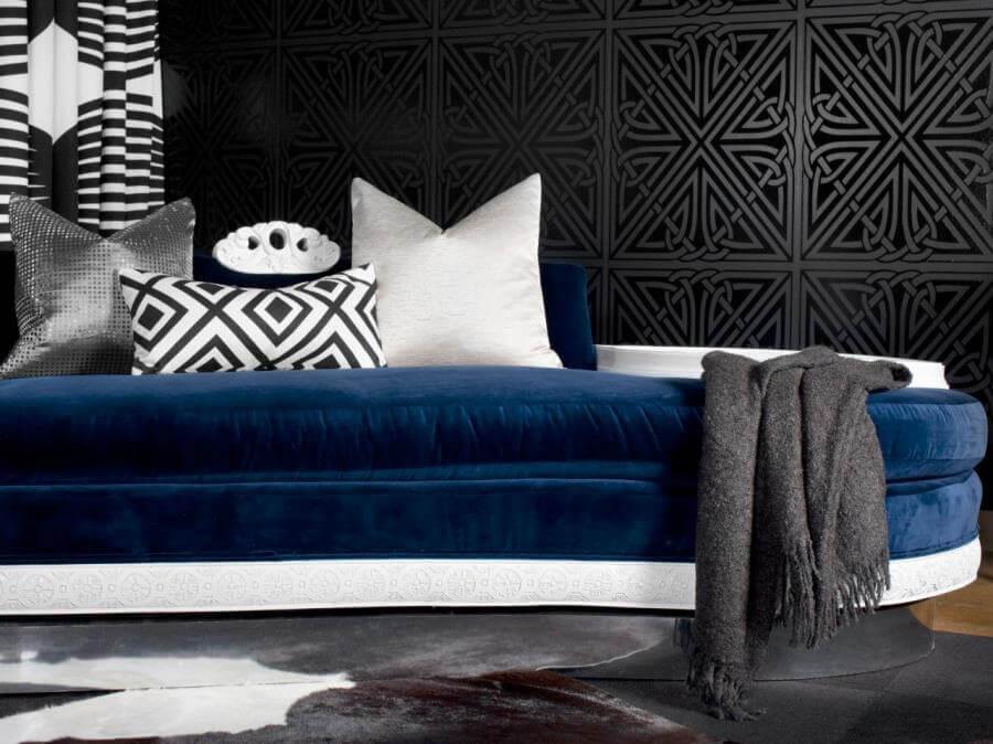 Сочетание синего и черного в интерьере