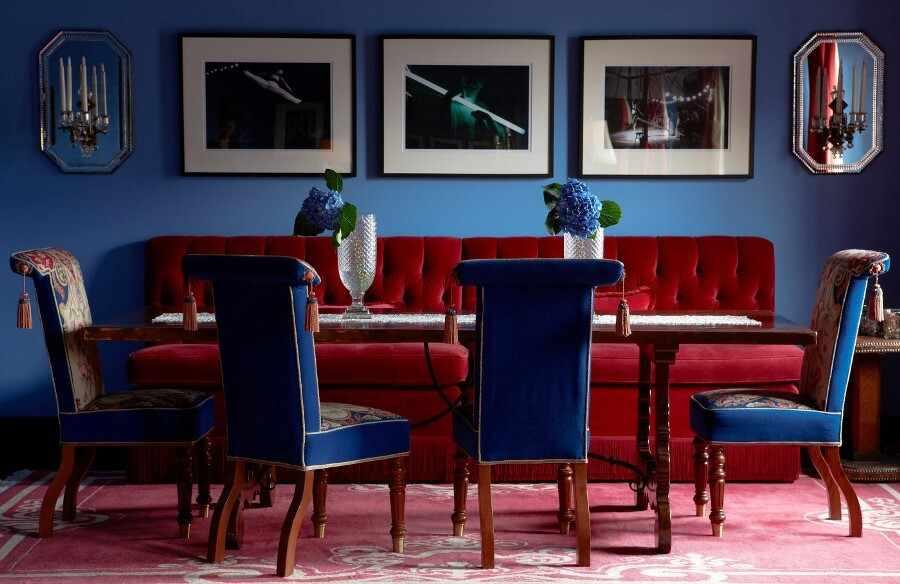 Синий и красный в интерьере