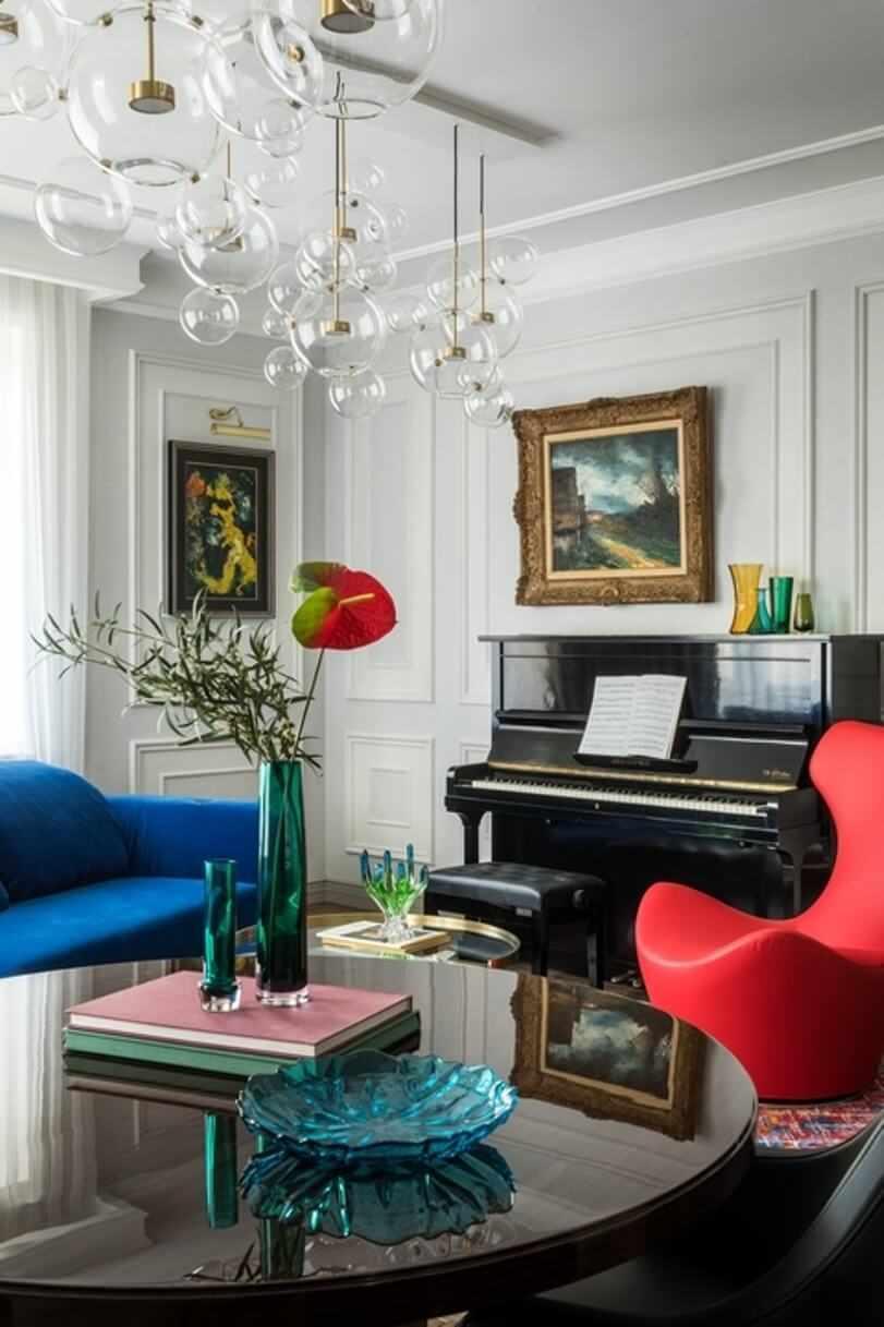 Синее и красное кресло