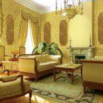 Шикарная гостиная с камином