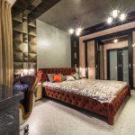 Интерьер спальни в строгом стиле