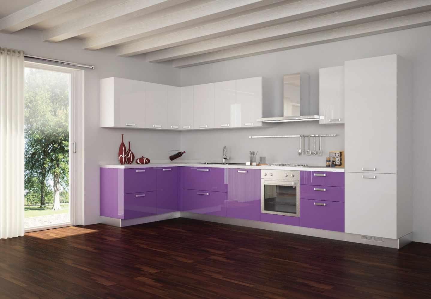 Фиолетовый и белый в дизайне кухни