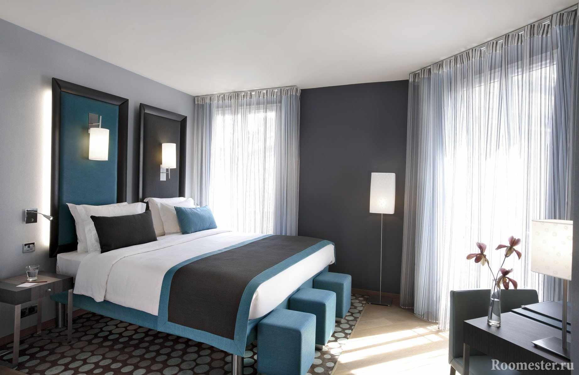 Серо-бирюзовая спальня