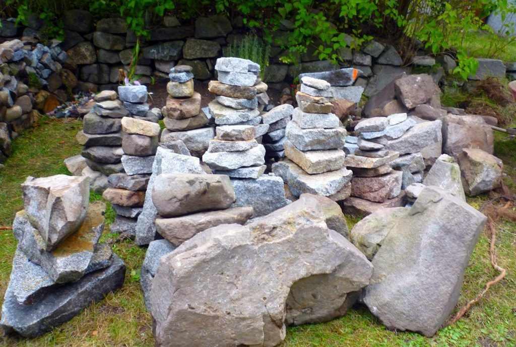 Камни для горки