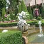 Статуя в водоеме