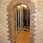 Каменная арка в доме