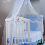 Детская кроватка с балдахином из шелка