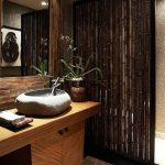 Темный бамбук в интерьере