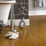 Бамбуковый паркет в ванной