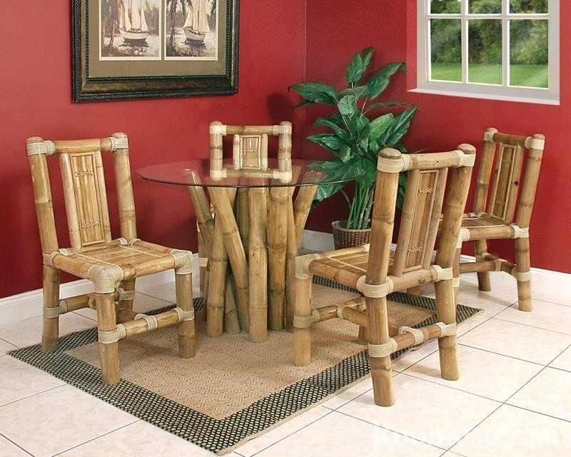 Столик и стулья из бамбука