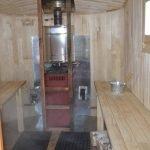 Внутри передвижной бани