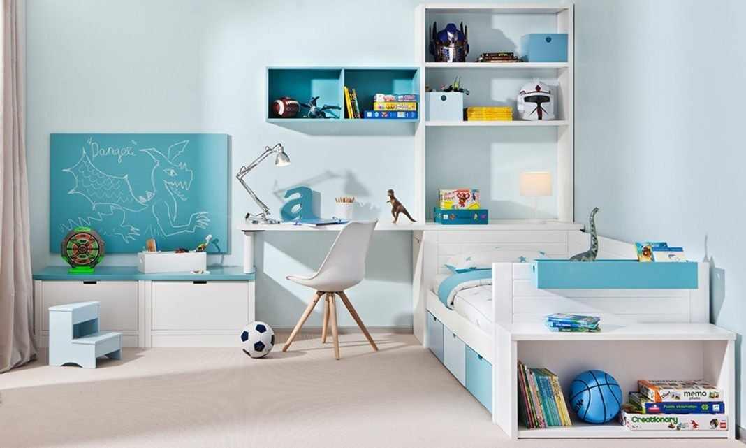 Интерьер детской с белой мебелью