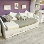 Белый диван с ящиками для хранения
