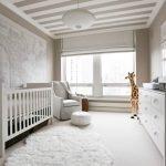 Белое ковровое покрытие в детской