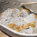 Замешивать цемент