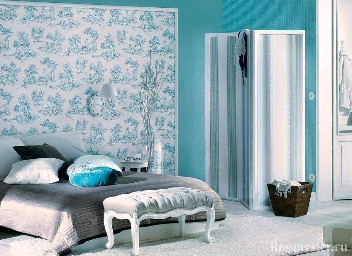 Бирюзовая спальня в классическом стиле