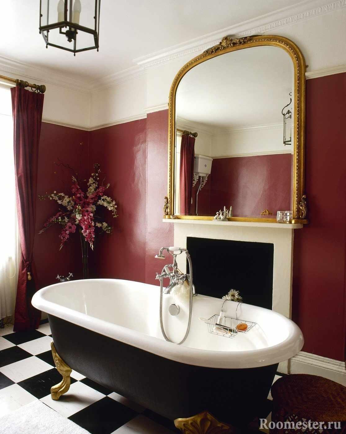 Стена бордового цвета в ванной