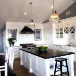 Потолок из пластика на кухне