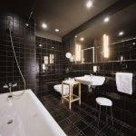 Ванная в черном цвете