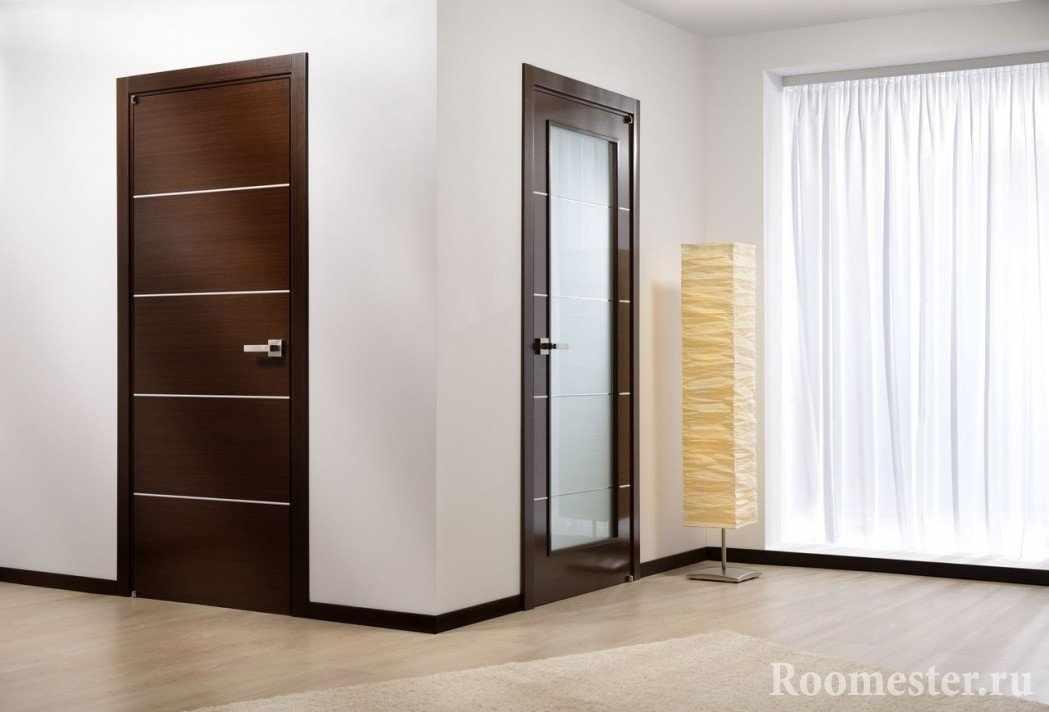 Разные двери в комнате
