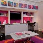 Розовая ниша под телевизор