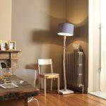 Оригинальная напольная лампа в интерьере