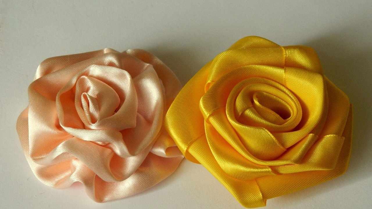 Розы из капроновой ленты