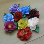 Цветы из атласа