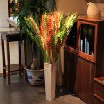 Разноцветные колосья в вазе