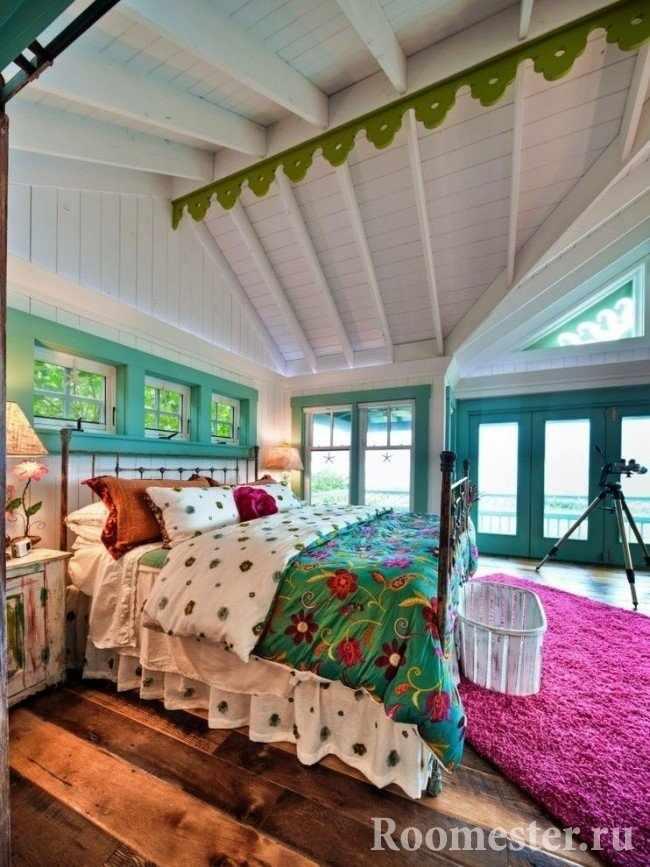 Спальня в ярких красках