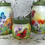 Цветы и бабочки на банках