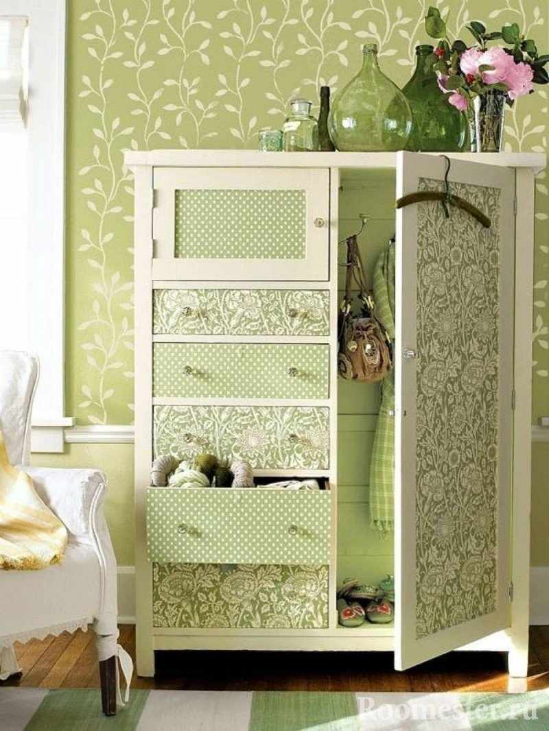 Молочно-салатовый шкафчик с узорами