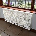 Прозрачная белая панель для радиатора