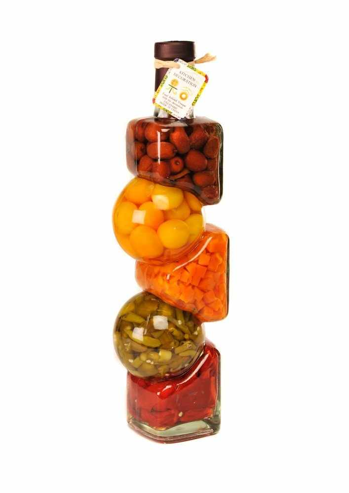 Бутылочка для кухни с овощами